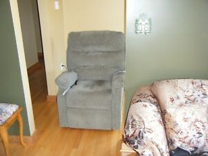 Electric Power Lift/Recliner Chair