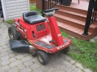 Tracteur Honda (9 hp / 30 po) 5 vitesses (impeccable !) 500$ !!!