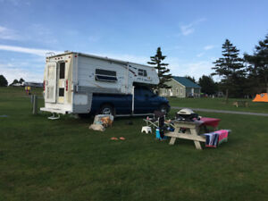 2007  Sunlite 1055 Truck Camper for 3/4Ton Truck with 8 foot box