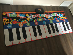 Kids step and play piano
