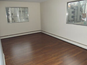Mature Adults Large 2 Bedroom Suite In Oliver Area