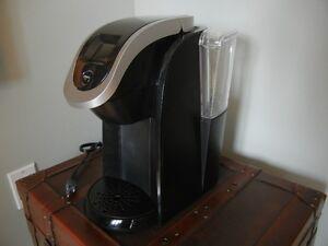 Machine à café Keurig 2.0 AVEC filtre K-Cup 2.0