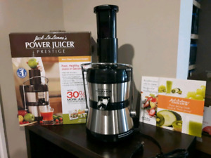 Power Juicer NEVER USED !