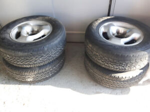 Pneus et jantes (mags) 16pouces/Tires and rims (mags) 16 inches