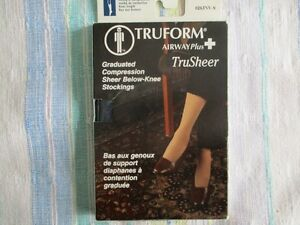 Truform Trusheer knee length compression socks small blue