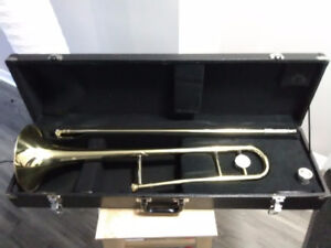 Trombone with mouthpiece/case