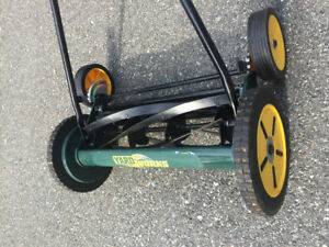 Yardworks manual lawn mower