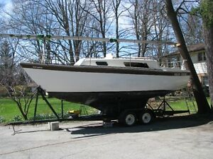 NASH 26 SAILBOAT complete with double axle trailer