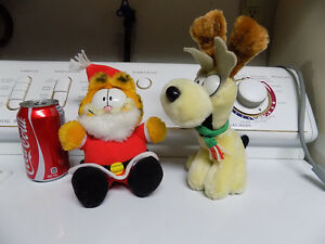 Christmas Garfield and Odie plush stuffies