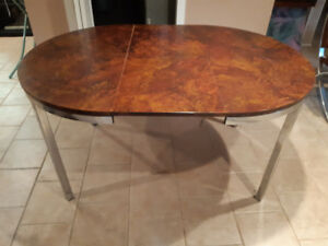 Retro table with matching 4 chairs