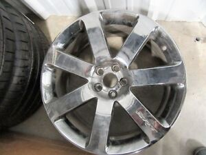 Chrysler SRT8 Chrome wheel (One only) *Take Off*