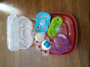 Barely used pacifiers Peterborough Peterborough Area image 2