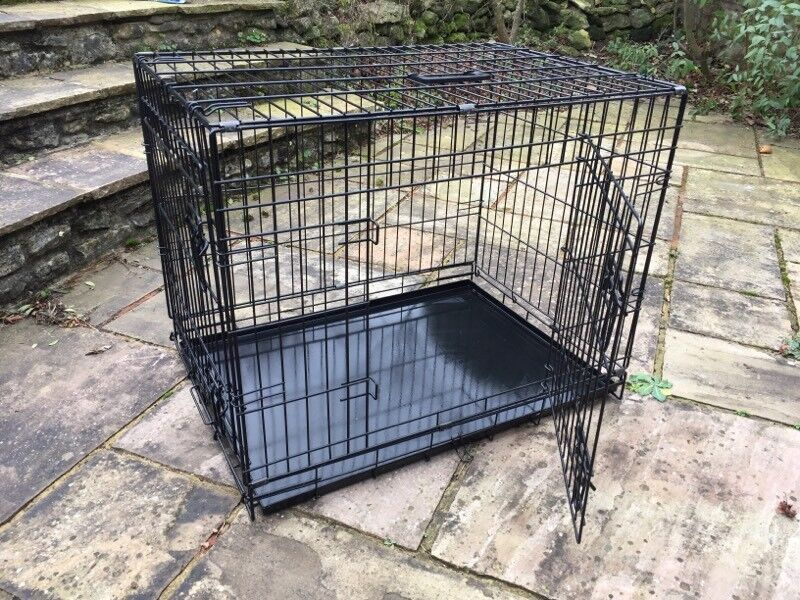 Brand new Ellie-Bo folding dog crate 30 inch, in box
