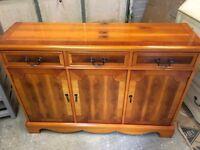 Excellent Condition Yew Sideboard /Dresser