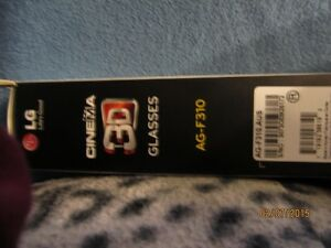 NEW in the box LED CINEMA 3D GLASSES London Ontario image 2
