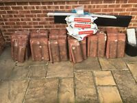 Used tiles and roof tile mortar