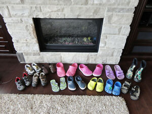 Selling 8 Pairs Boy/Girls Youth Shoe's, Boots & Sandals