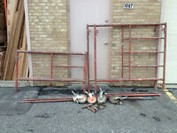 2 Scaffolding units 5' x 5' and 5' x 3'