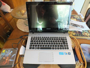 SAMSUNG QX410 14'' SCREEN LAPTOP. Kitchener / Waterloo Kitchener Area image 1