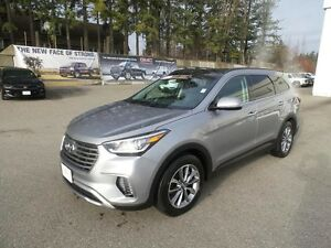 2017 Hyundai Santa Fe Limited Luxury Edition, Nav, Sunroof, leat