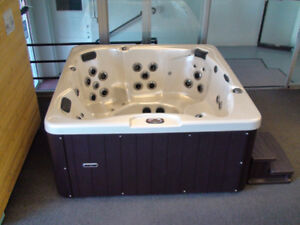 Tulip hot tub - NO TAX ON ALL HOT TUBS!
