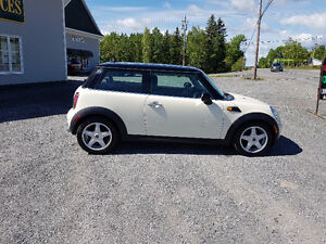 CLEAR OUT....2009 R56 MINI.. FINANCING...WARRANTY INC!!!