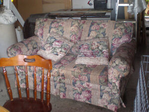CLEAN LOVE SEAT WITH PILLOWS....