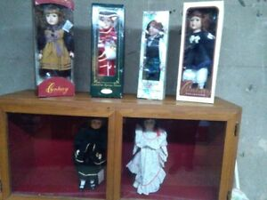 Display cabinet plus all dolls