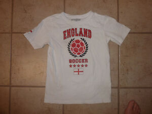 Soccer Jerseys, T-shirt: England, $ 5 ea, fit around 8-12 years Kitchener / Waterloo Kitchener Area image 2