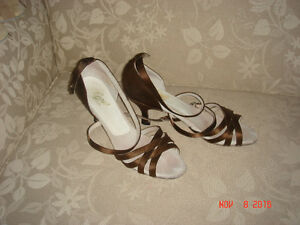 LADIES LATIN DANCE SHOE Windsor Region Ontario image 1