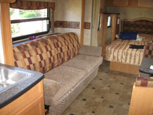 37' Travel Trailer in Excellent Condition