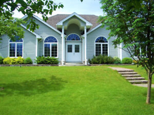 Beautiful, spacious & private!! Less than 1 hr from St. John's!