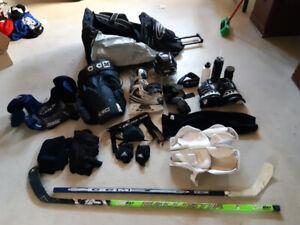 Équipement de hockey adulte COMPLET (avec patins)