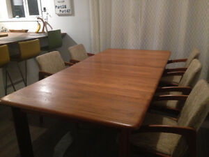 Gorgeous Mid Century TEAK Dining Table and chairs