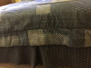 Queen Size Comforter, Bed Skirt & Window Valance