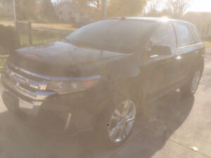 2013 Ford Edge ONLY 64,000KMS!