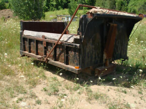 Single Axle dump Box and Dell Hoist