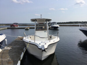 2004 Seaswirl Stiper Center console