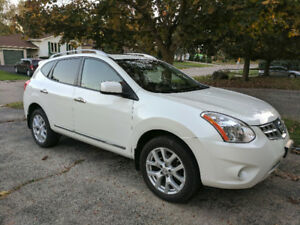 2013 Nissan Rogue SV AWD fully loaded