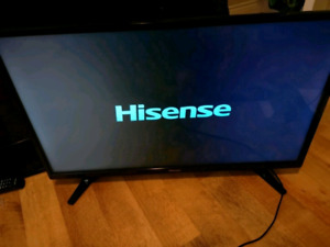 """32"""" LED HD TV FHD WITH REMOTE"""