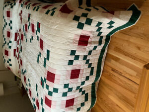 HAND QUILTED LARGE KING SIZE QUILT