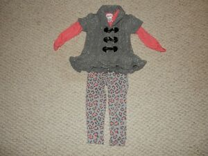 Girl 3 piece outfit size 3T