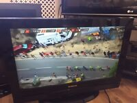 """Techwood 32"""" lcd tv free view HDMI scart ect"""