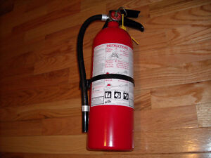 FIRE EXTINGUISHER******BRAND NEW READY TO USE