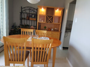 Dinning Table With Leaf 4 Chairs Hutch And Buffet