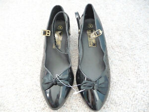 Various Brand New Girl's Dress Shoes - Size 1 or 2 Kitchener / Waterloo Kitchener Area image 4
