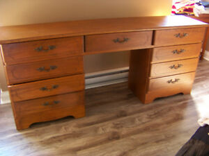 9 Drawer Dresser with Matching Night Tables