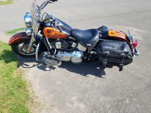 2009 Harley Heritage Softail Classic only 18,000 KM!!