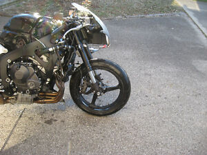 2007 honda cbr-600rr parts bike London Ontario image 8