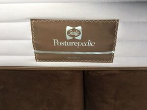 Sealy Posturepedic Proback King Mattress Set